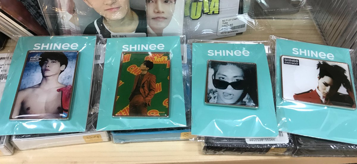 SHINee 10TH DEBUT BADGE