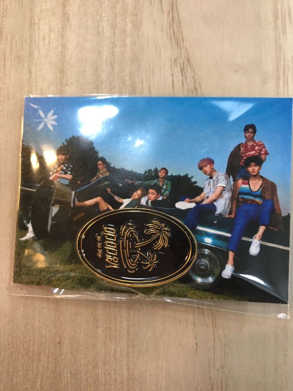 EXO KOKOBOP PIN ( CHINESE WORDING )